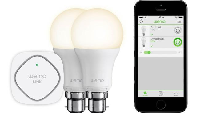 The starter set of this product contains two WeMo Smart LED Bulbs and WeMo Link.