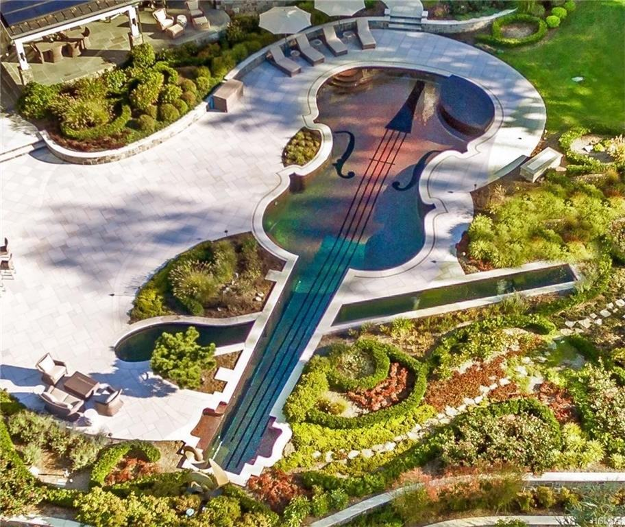 Violin-shaped pool